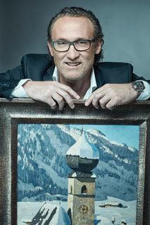 Walter Freller hat sich als Kunsthändler einen Namen gemacht und ist mittlerweile Besitzer des Cembran Kellers.