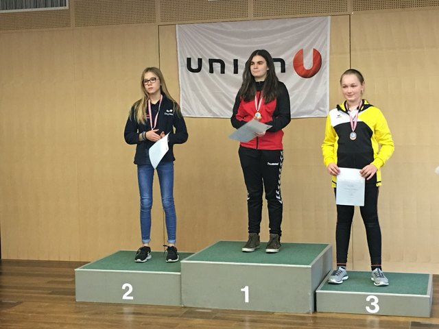 Bundesmeisterin Eva Maria Dobetsberger, Bronzemedaille Sarah Veigl beide aus Hochburg