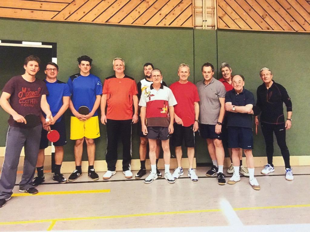 Für Sportbegeisterte bietet der ASKÖ Puchberg zahlreiche Betätigungsmöglichkeiten, etwa Tischtennis.