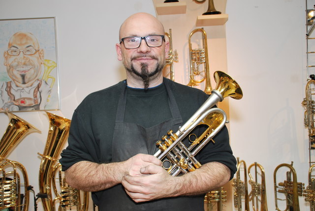 Sonderanfertigungen nach Wunsch sind seine Spezialität: Instrumentenbauer Anton Possegger