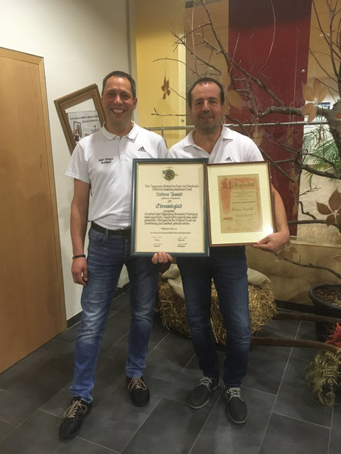 Obmann Markus Wachter (li) mit Ehrenmitglied Andreas Inwinkl.