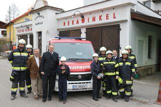 Seit 25 Oktober wurde der Fuhrpark der FF-Rekawinkel um ein Mannschafts- Transport-Fahrzeug erweitert.