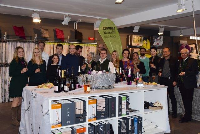 """Der Tourismusverband Leibnitz Südsteiermark und die 14 Sektproudzenten laden zum dritten """"Tag des steirischen Sektes"""" ins Kaufhaus Kappaun ein."""