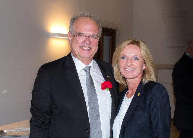 Aller Widrigkeiten zum Trotz zunächst zufrieden: Der neue/alte Bürgermeister Reinhard Resch mit der neuen Vizebürgermeisterin Eva Hollerer.