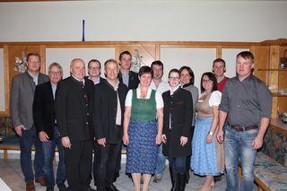 Der Bauernbund St. Aegidi mit den neuen Obleuten Lydia Falkner und Hubert Sageder (vorne 4. und 5. von rechts). Am 31. Oktober 2017 wurde neu gewählt.