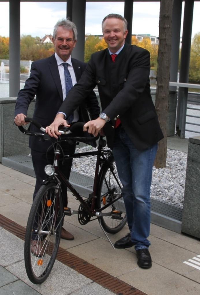 Landesrat Karl Wilfing (l.) mit Verkehrsreferent Philipp Steinriegler.