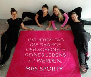 Das sind die Gesichter von Mrs. Sporty in Gloggnitz. Claudia Wilfinger und ihr Team bringen Sie in Form.