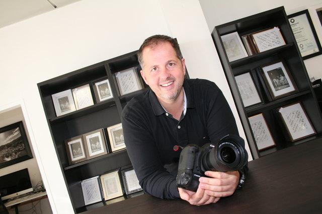 Nikolaus Faistauer in seinem Geschäft, in das er zuletzt viel Geld - vor allem in die neueste Technik - investiert hat.