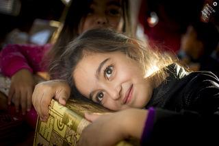Kinder in Rumänien mit Geschenken erfreuen.
