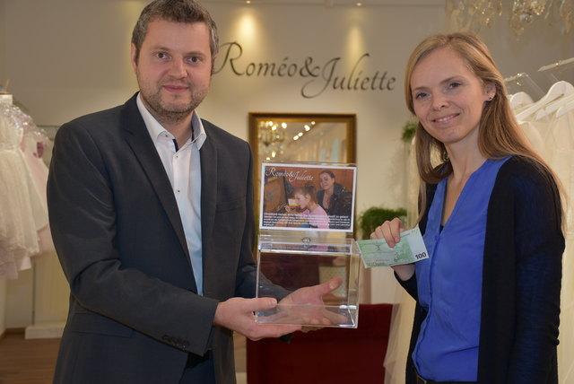 Roméo & Juliette unterstützt BezirksRundschau Christkind mit Spendenbox