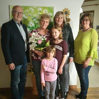 Foto: Josef Rathmanner, Elisabeth Schütz mit Enkelkindern Sophie und Valerie, Silvia Toth, Gabi Biricz