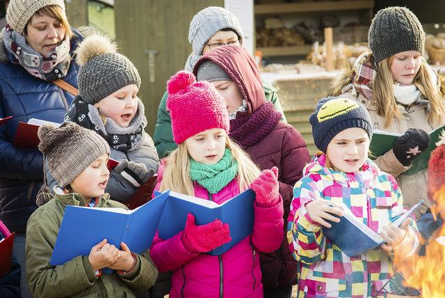 Der Chor der Großgöttfritzer Jungschar eröffnet am Freitag den Adventmarkt.
