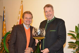 Weinpate Heinz Lichtenegger und Winzer Josef Tatzber