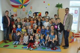 Je 150 Euro erhielten der Kindergarten und die Volksschule.