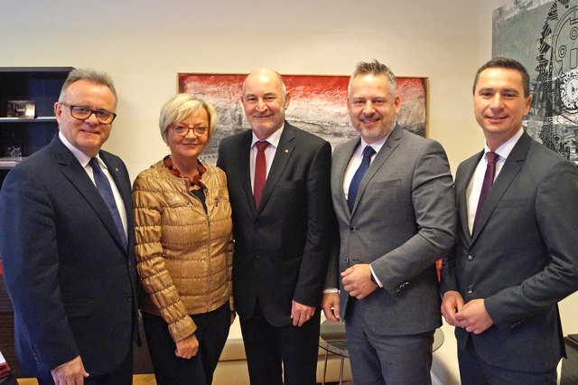 LH Hans Niessl, designierte SPÖ-Klubobfrau Ingrid Salamon, Labg. Peter Heger, Bundestat Jürgen Schabhüttl und SPÖ-Klubobmann Robert Hergovich