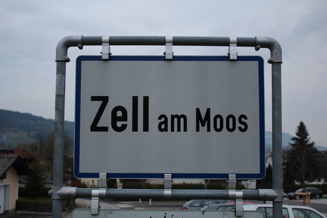 Der Schüler wollte die Vöcklatal Landesstraße in Zell am Moos überqueren.