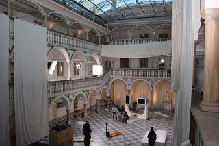 Drehtage im Dezember: Adaptierungen des Rathaushofes St. Veit sind für das TV-Format notwendig