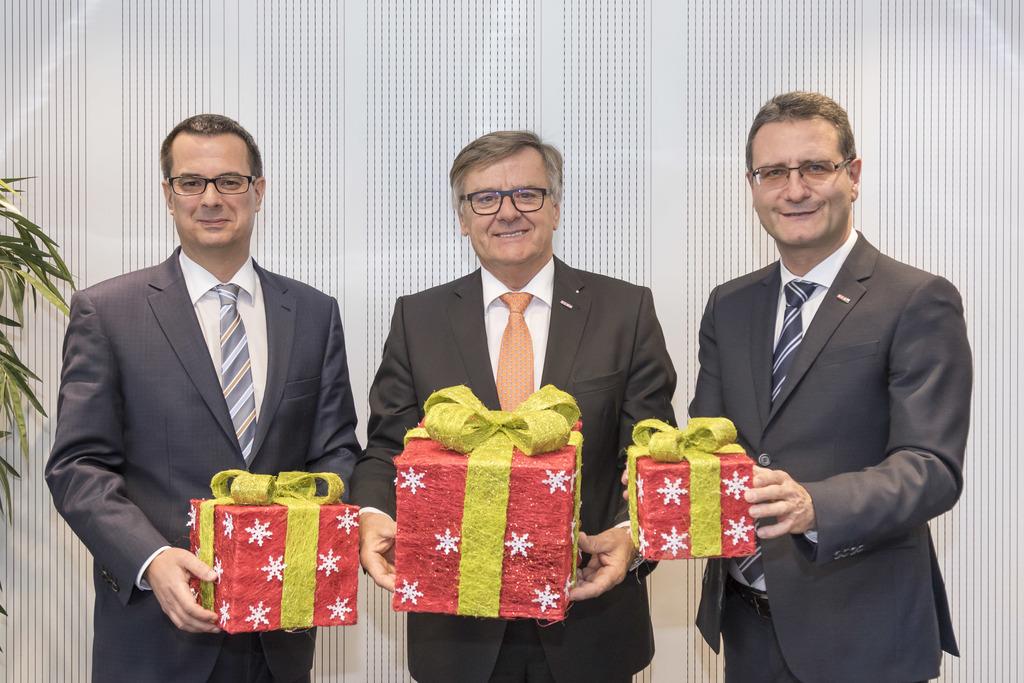 Das Weihnachtsgeschäft naht: Ernst Gittenberger von der KMU Forschung Austria, Spartenobmann Gerhard Wohlmuth und Helmut Zaponig, Geschäftsführer der Sparte Handel in der WKO Steiermark (v.l.), sehen dem Weihnachtsgeschäft positiv entgegen.