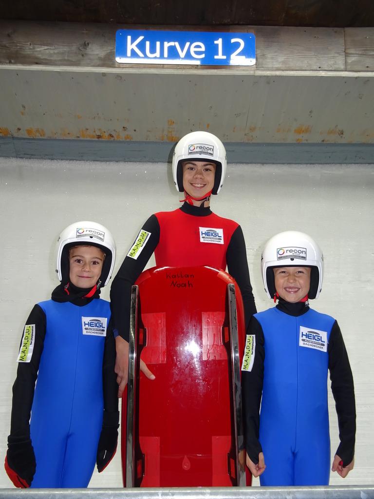 Gloria, Noah und Jonas Kallan: Die Nachwuchsrodler vom RV Hüttau/Eben sind bereit für die ersten Rennen.