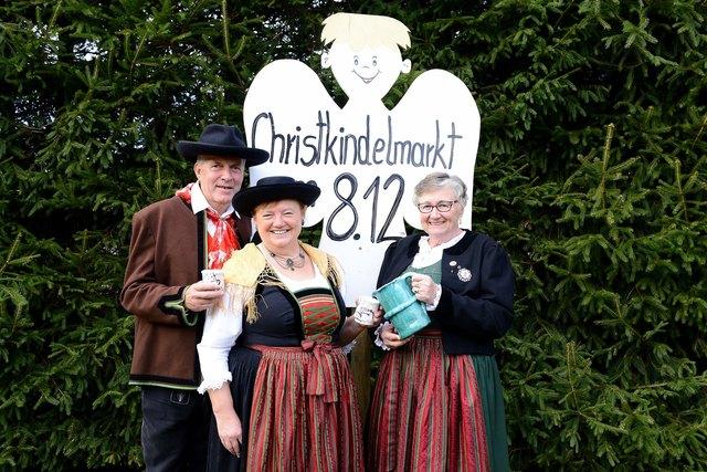 Seit 24 Jahren findet der Kirchbacher Christkindlmarkt am Marienfeiertag 8.Dezember am Dorfplatz statt