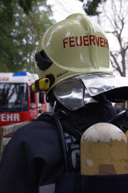 Sieben Feuerwehren mit 64 Kameraden standen im Einsatz bei dem Brand in Rainbach im Mühlkreis am 18. November 2017