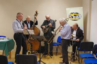 Die Schrödinger Jazz Band umrahmte den Abend musikalisch