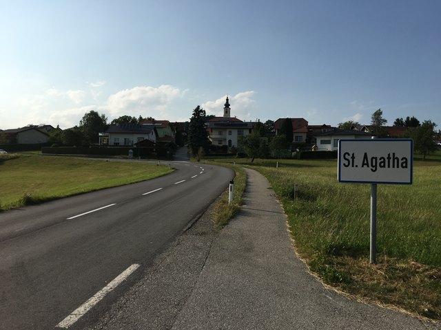 Einbruch in St. Agatha: Unbekannter stieg in ein Gasthaus ein.