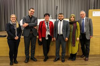 Andrea Koppenberger-Drenik, Stefan Schlager, Monika Greil-Payrhuber, Murat Baser, Hatice-Yasir Baser und Helmut Obermayr.