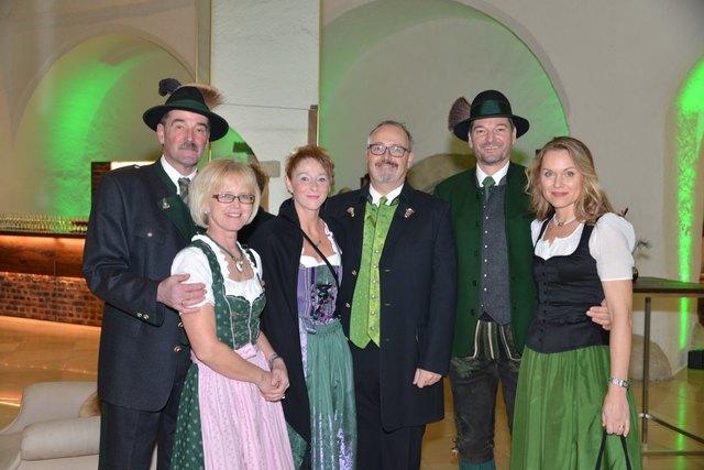 Zahlreiche Balltiger fanden sich zum Jägerball im Schlosshotel Gabelhofen ein. Fotos: Pfister
