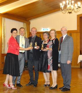 25 Jahre beim Club der Tanzfreunde Weiz dabei: Fam. Schopper, Fam. Reiter und Fam. Reitbauer (v.l.n.r.: ).