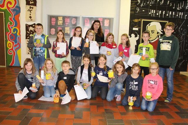 Die Kinder erkundeten bei einem Quiz die Medien & Kreativ NMS