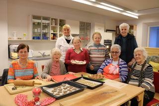 Ein Pflichttermin, der gerne im betreuten Wohnen wahrgenommen wird: das Kekserlbacken in der Vorweihnachtszeit.