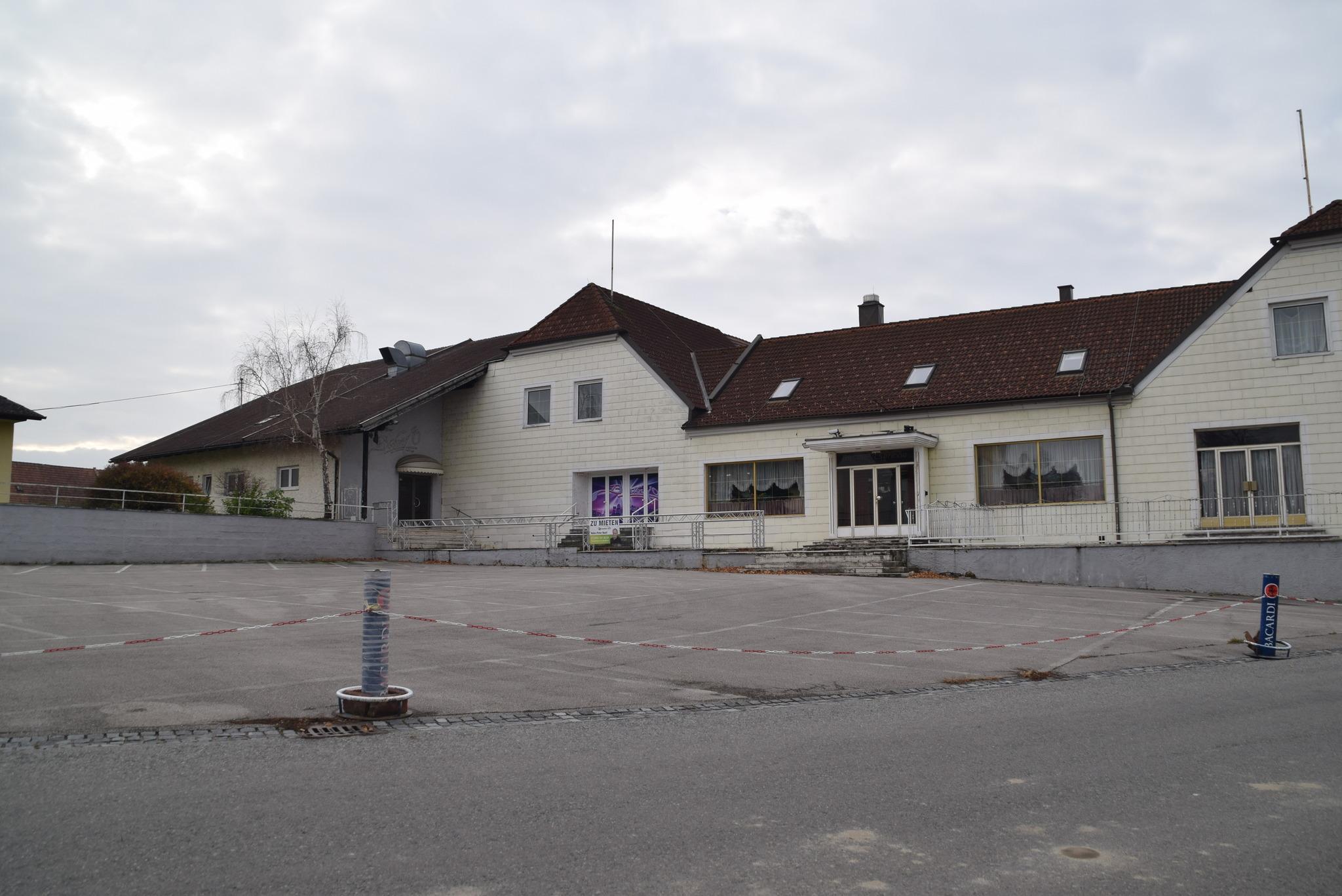 Feuerwehreinsatz - Wohnhausbrand in Zfing - huggology.com