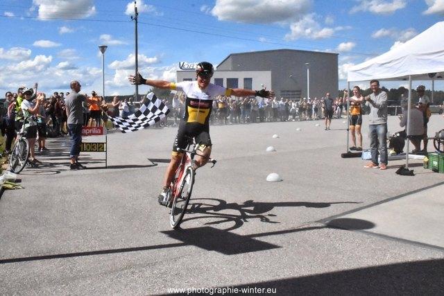 Am ETA-Gelände schaffte Walter Pöll den UMCA Masters-Outdoor-Weltrekord mit 716 Kilometern.