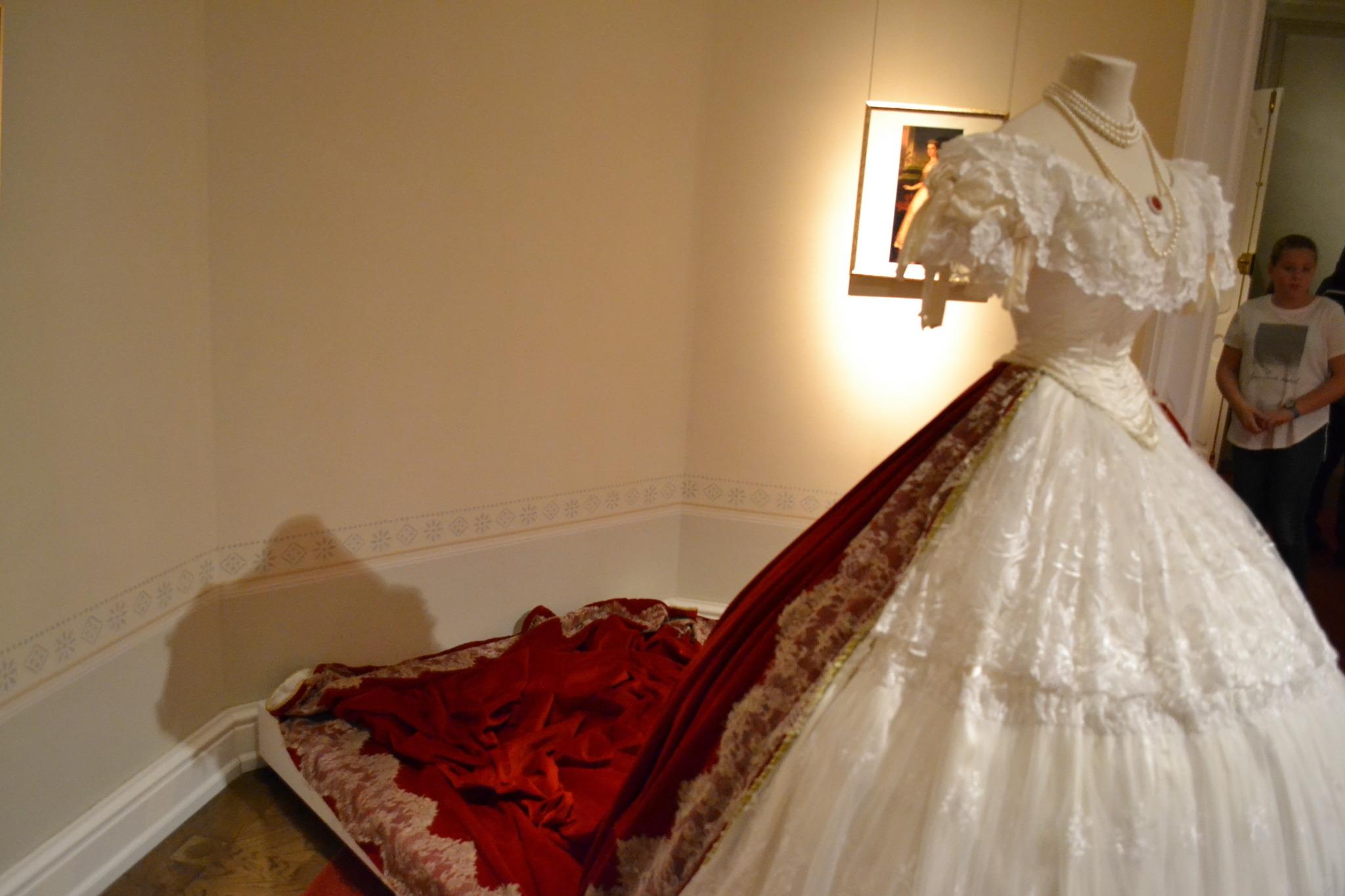Die Kleider der Kaiserin Elisabeth - Ausstellung Schloss Gödöllö