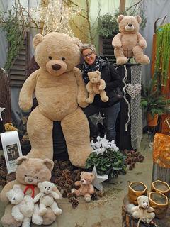 """Bei Bettina Binder im Vitalgarten Lendorf tauchen Besucher heuer in """"Teddys Weihnachtsland"""" ein"""