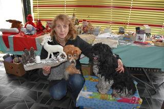 Claudia Pegrin veranstaltet am 25. 11. in Welzenegg einen Weihnachtsbasar für herrenlose Tiere. Mit dem Erlös werden Futterspenden gekauft