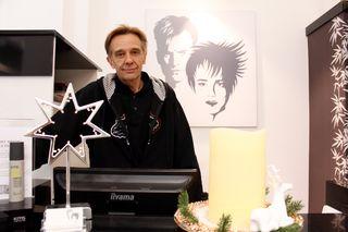 Im Friseursalon Polesny weihnachtet es bereits. Bald feiert der Währinger Traditionsbetrieb seinen 60. Geburtstag.