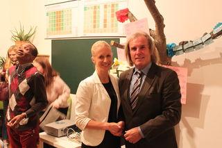 Psychologe und Vortragender Gert Lach mit Jaqueline Kopeinig von LOS
