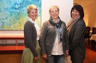 Obfrau Theresia Rainer (m.) mit ihrer Stellvertreterin Elisabeth Kaplenig (r.) und Eva Haselsteiner von der Osttirol Werbung.