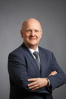"""Sparkassen-Generaldirektor Michael Rockenschaub über den """"Traunviertler""""."""