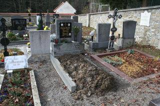 """2016 war das Begräbnis der 93-jährigen Stössingerin. Nun wurde die """"letzte Ruhestätte"""" geöffnet."""