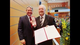 Michael Frank mit Bürgermeister Robert Weber