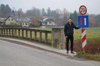 Stadtrat Jürgen Rummel auf der Gerichtsbrücke.