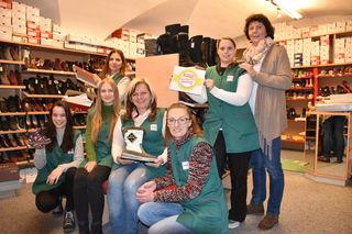 Zum 2. Mal Supershop-Sieger: Elisabeth Reiser und ihr Team vom Schuhhaus Keiler sind stolz, erneut der beliebteste Betrieb zu sein