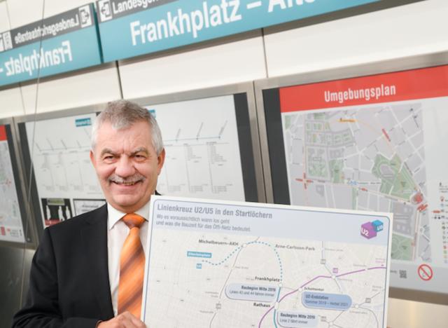 Der Geschäftsführer der Wiener Linien, Günter Steinbauer, präsentierte am Donnerstag das neue Linienkreuz.