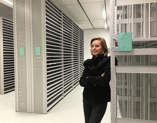 Museum der Moderne-Direktorin Sabine Breitwieser im neu errichteten Kunstdepot in Koppl.