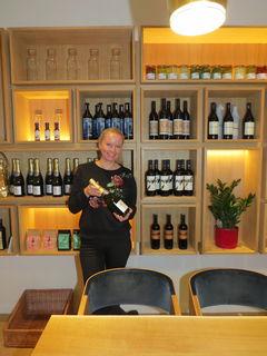 Im Gastrobereich des MiaVias bietet Michaela Russmann täglich frische Menüs, ein Liefer- und Cateringservice und Platz für 50 Personen.