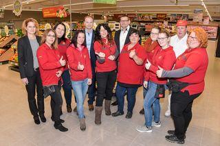 Das Team von PENNY Oeynhausen freut sich über den neu eröffneten Markt