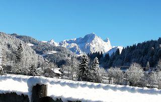 Blick von Eben Richtung Filzmoos an einem kalten, schönen Dezembertag